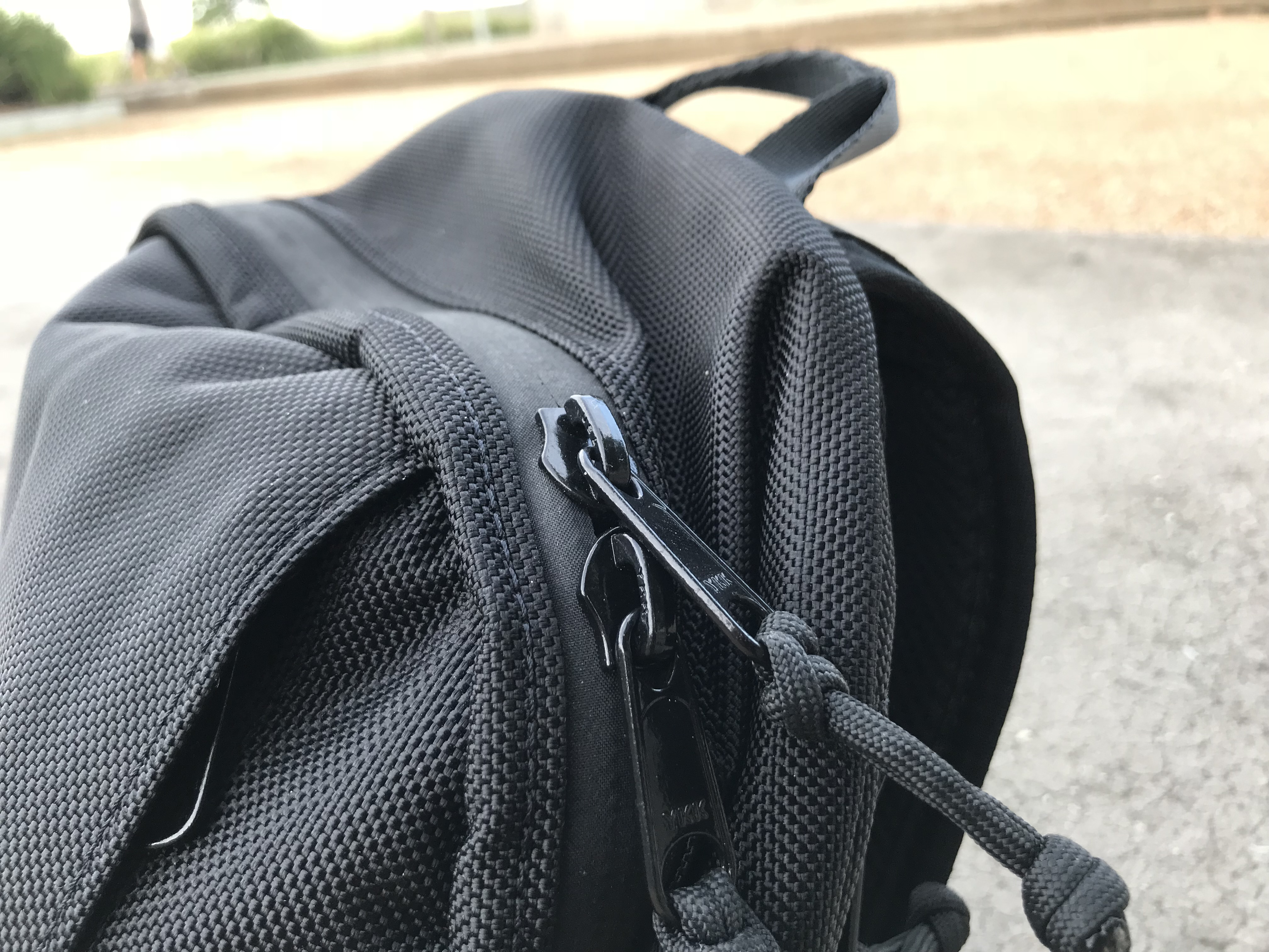 Arktype Dashpack Review Zippers