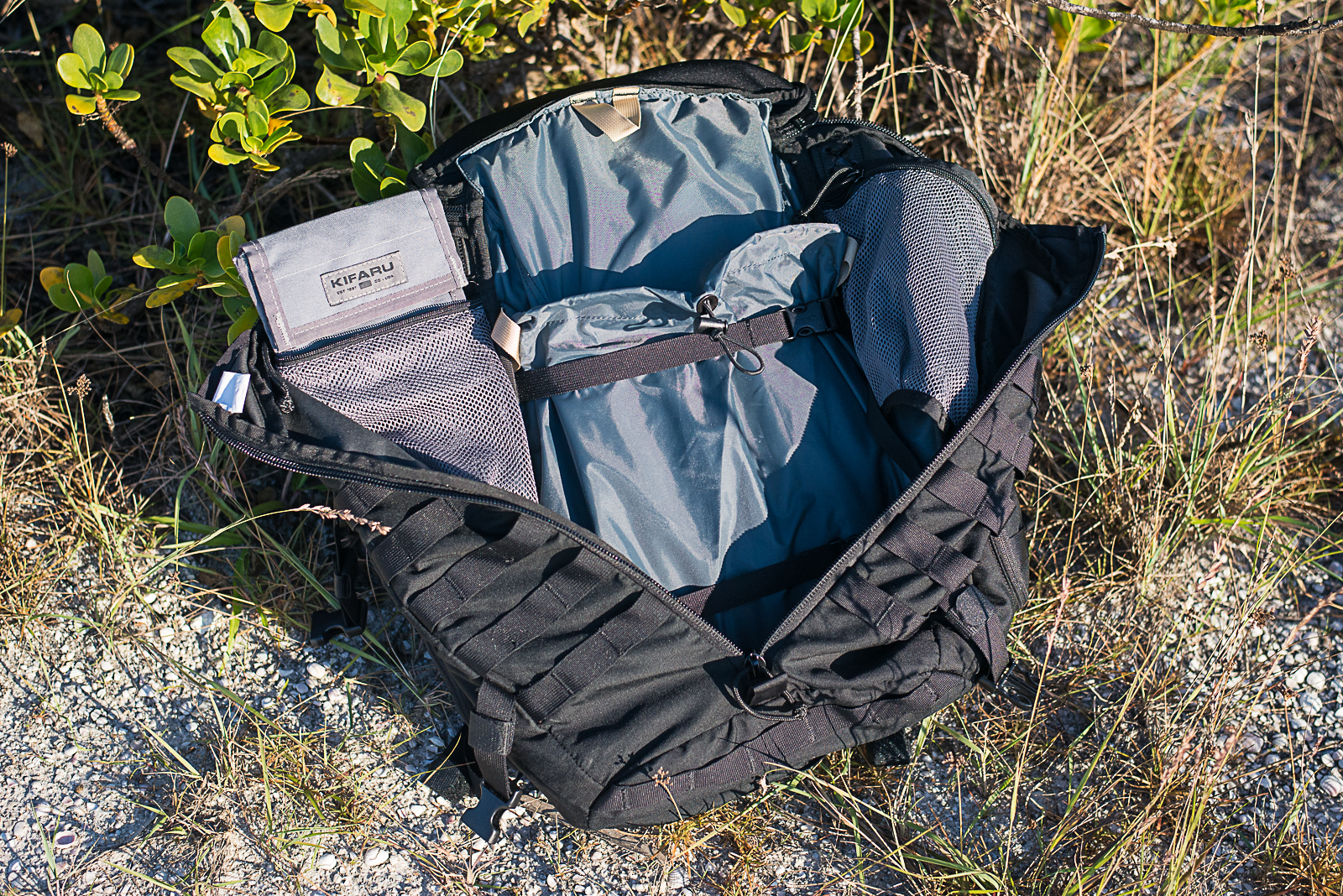 Camelbrak Trizip review open interior shot kifaru pullouts