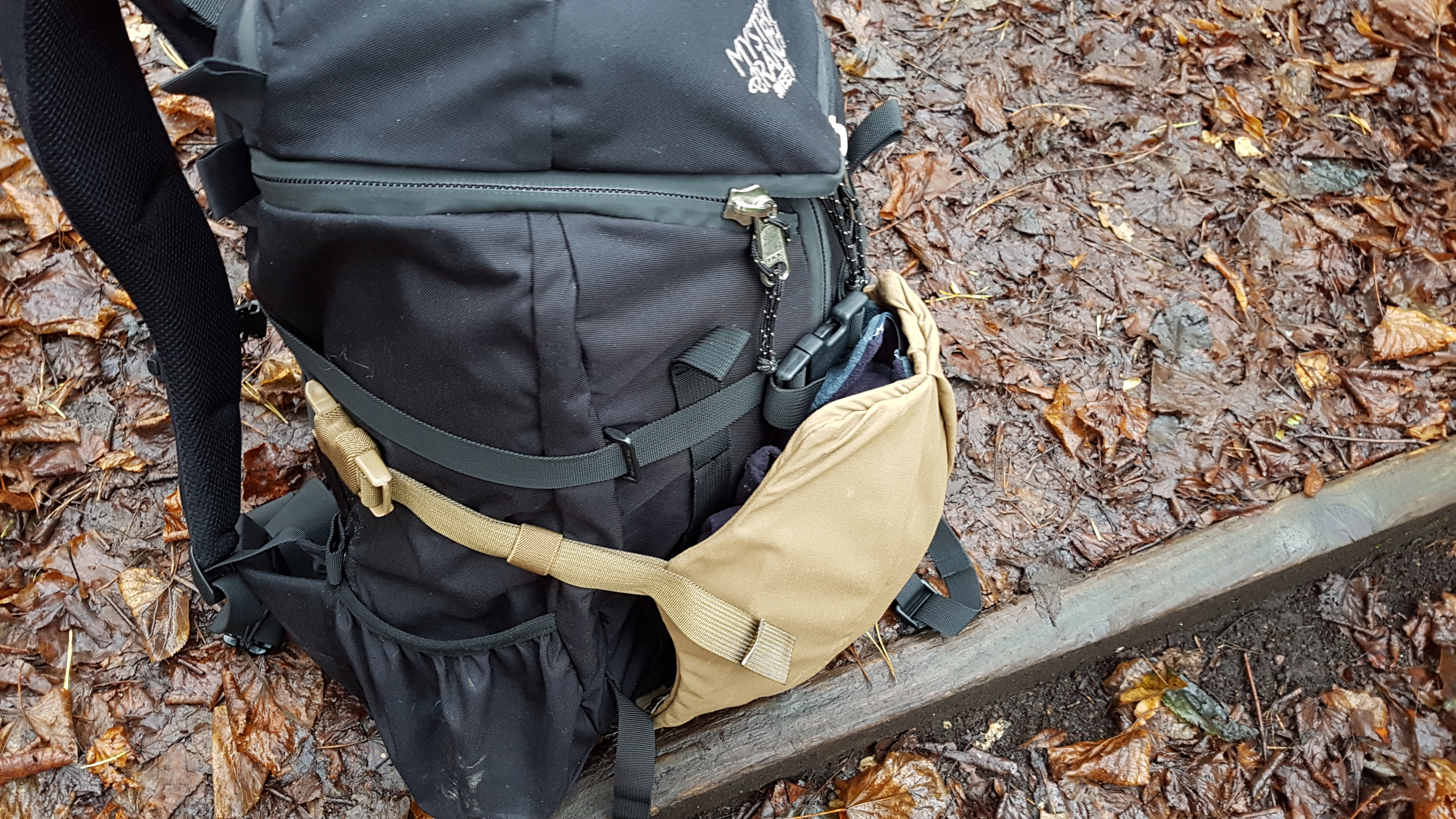 Beavertail Showdown stick it side profile attached to 3 day assault pack