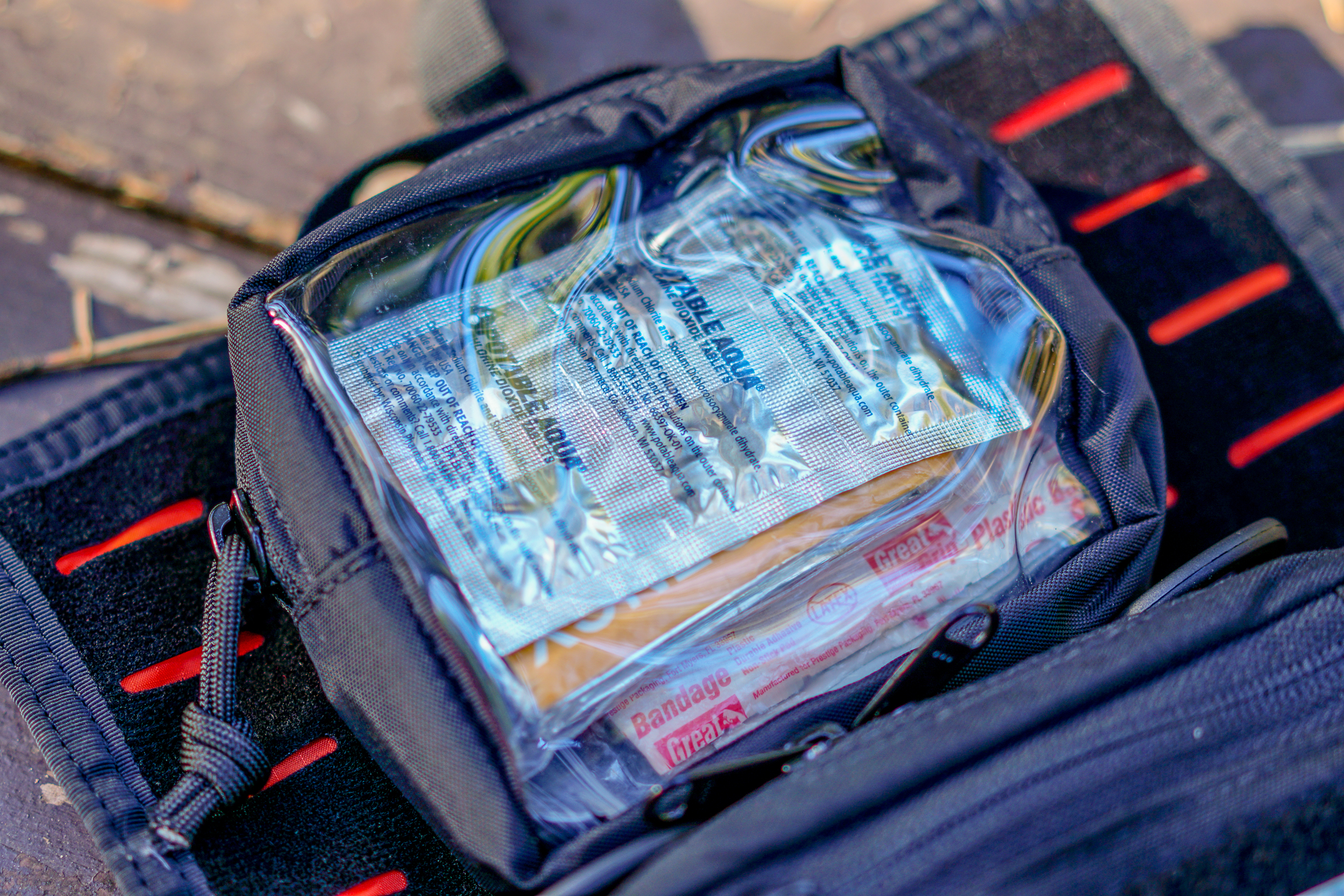 S.O Tech Go Pouch 2 Quick Look first aid kit mounted via hook and loop