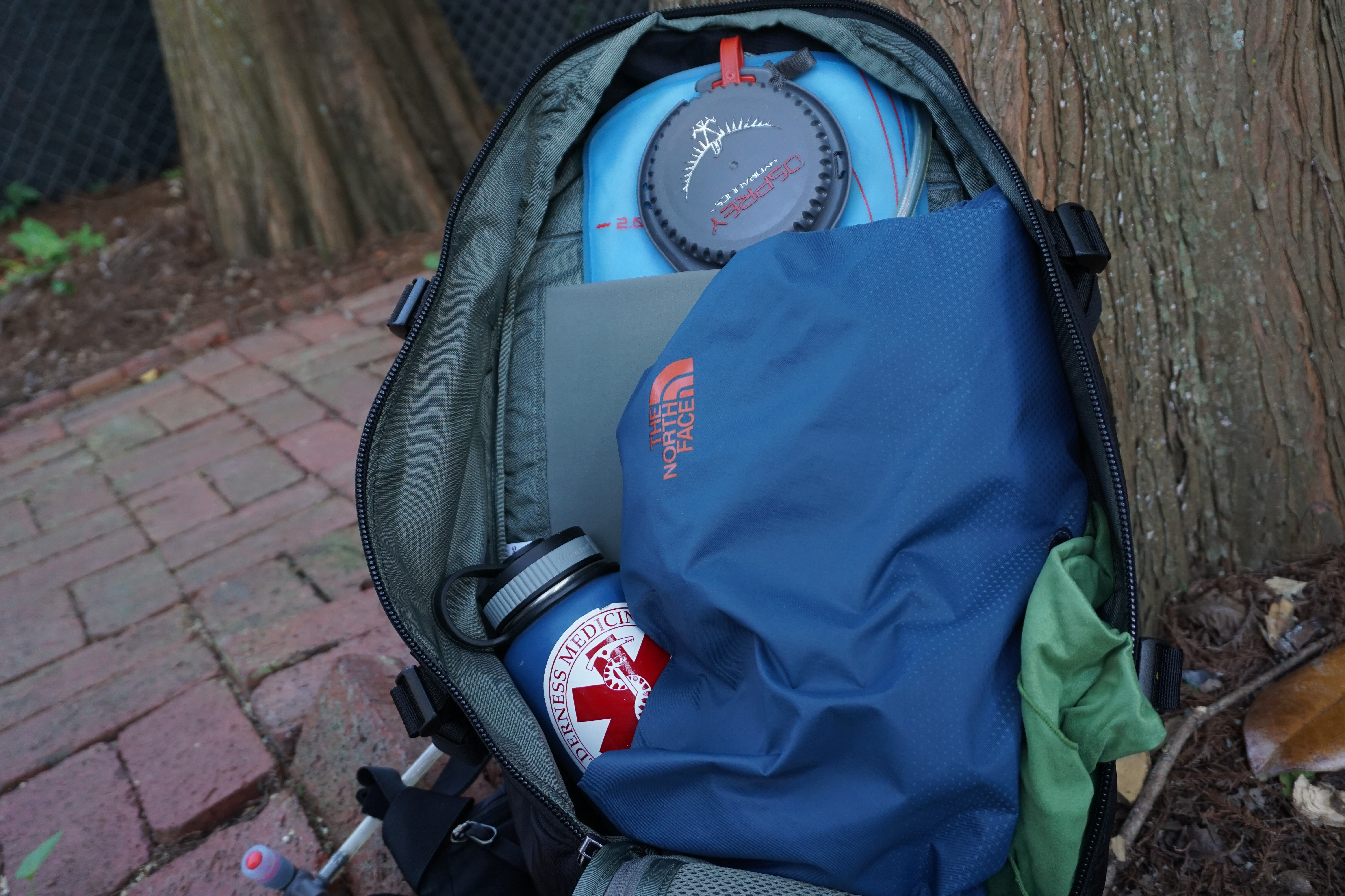 EVERGOODS Mountain Panel Loader 30 Backpack Review main compartmnet open