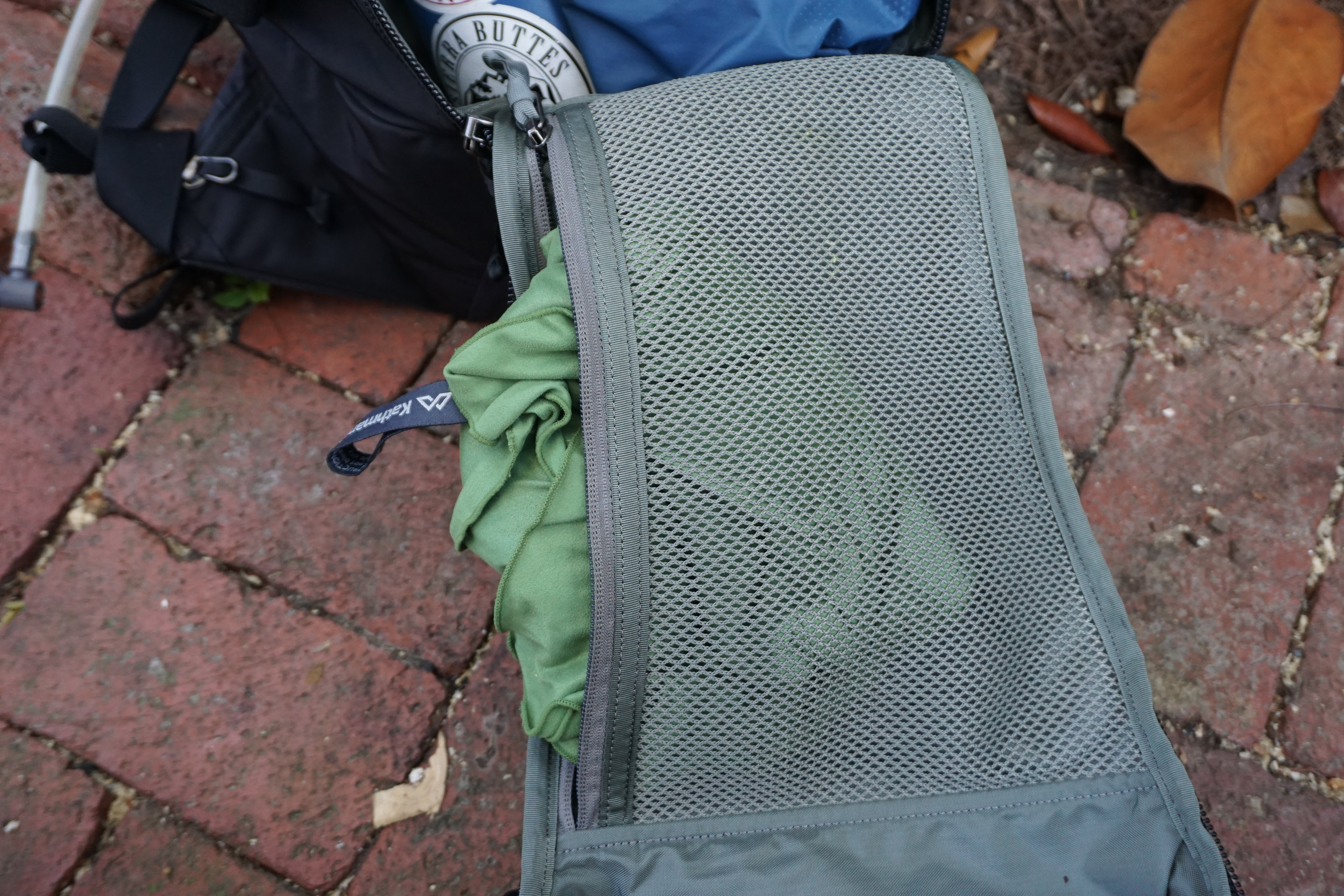 EVERGOODS MPL 30 Backpack main compartment mesh pocket