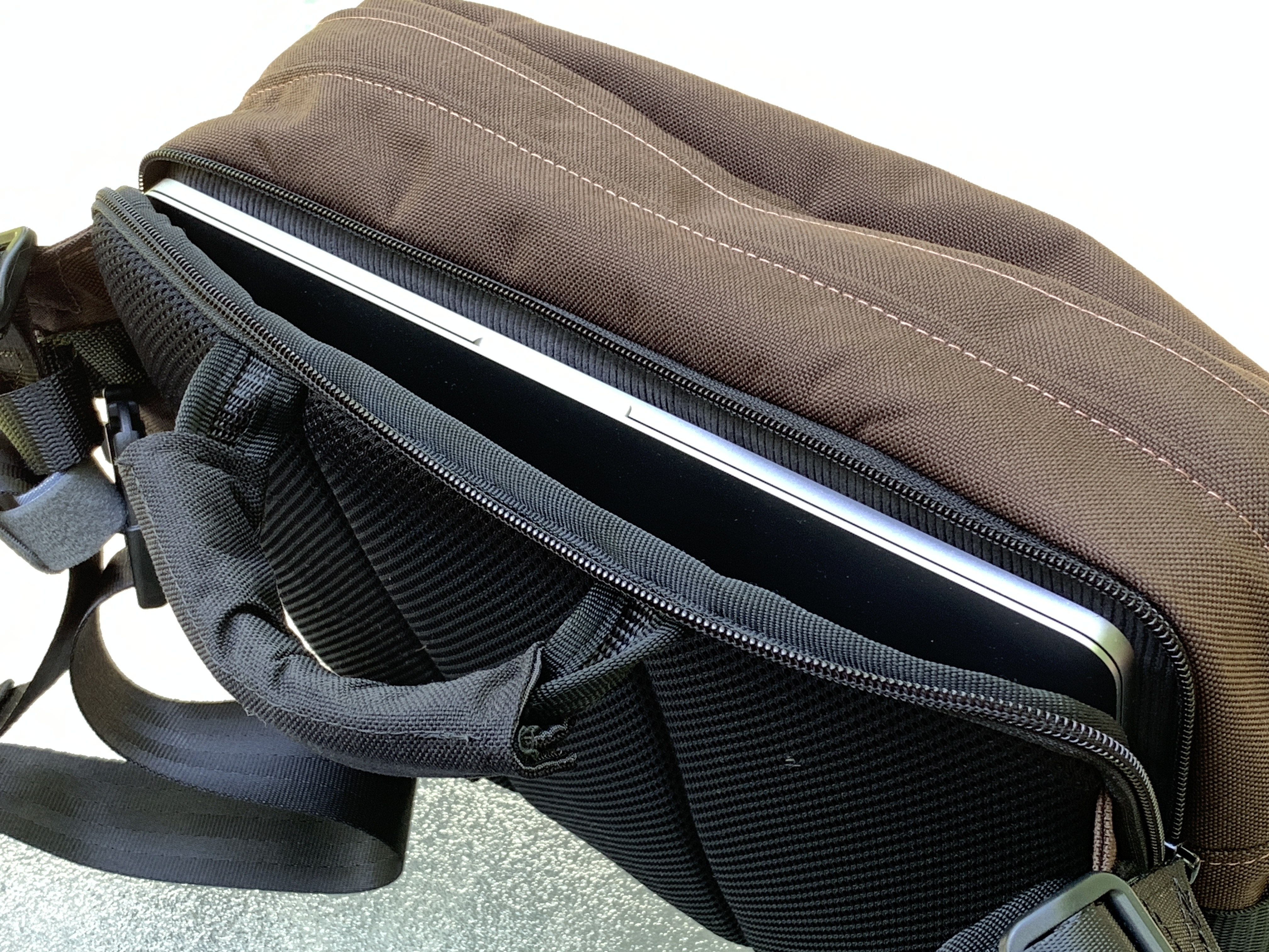 Greenroom136 Metromonger Review laptop sleeve