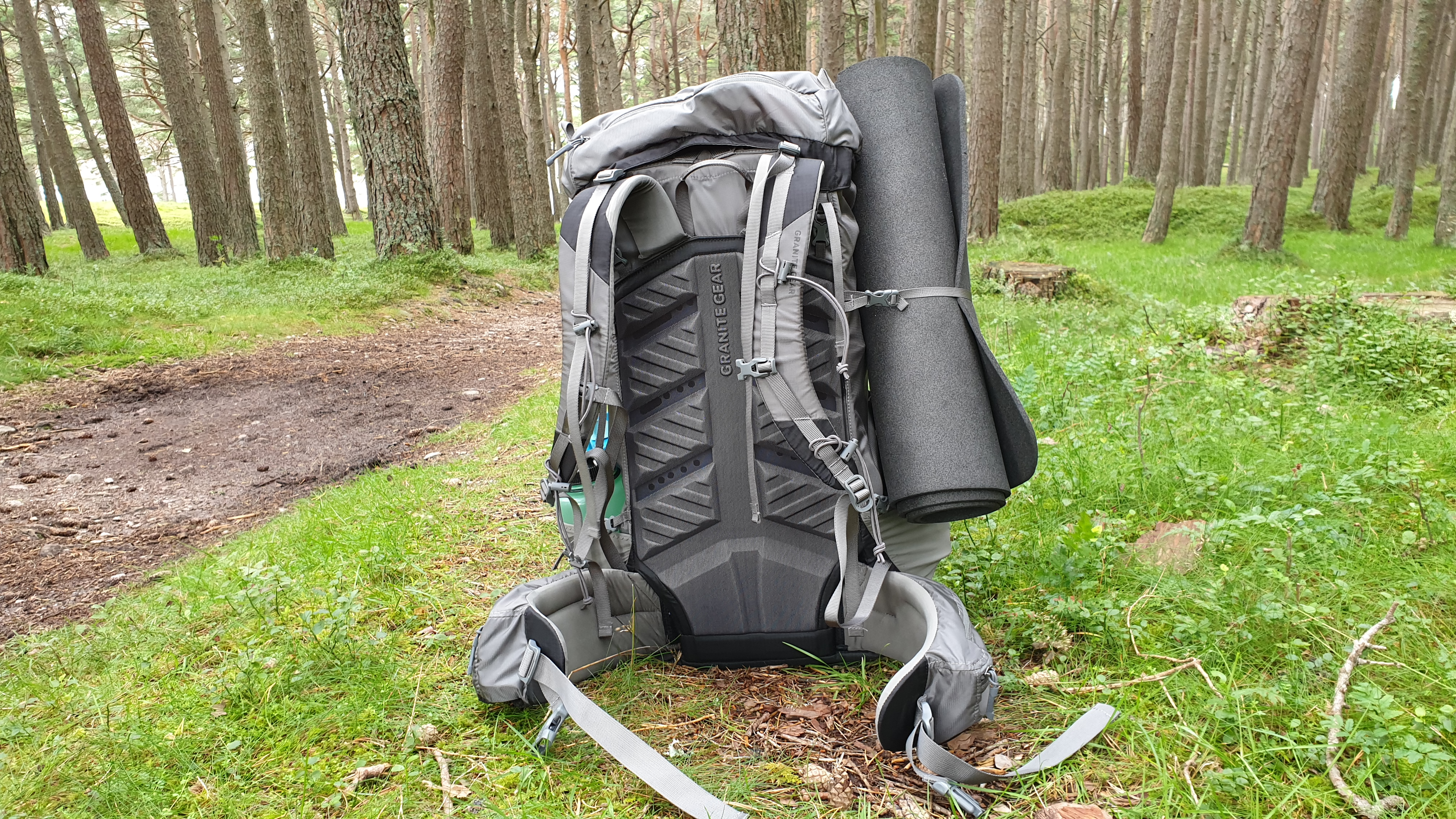 Massdrop X Granite Gear Crown2 backpack review back panel straps belt mesh