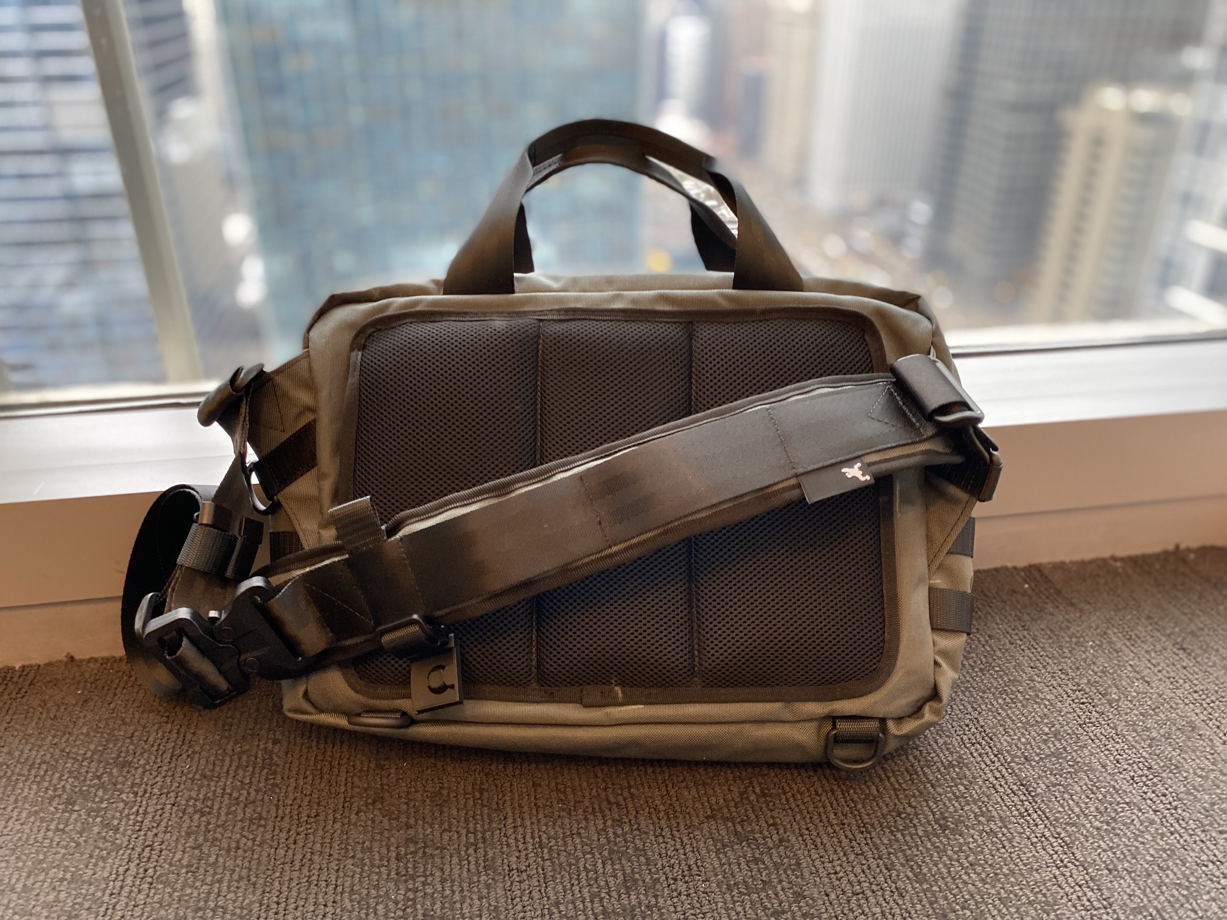 Greenroom136 Mission Attache back panel padded mesh messenger strap