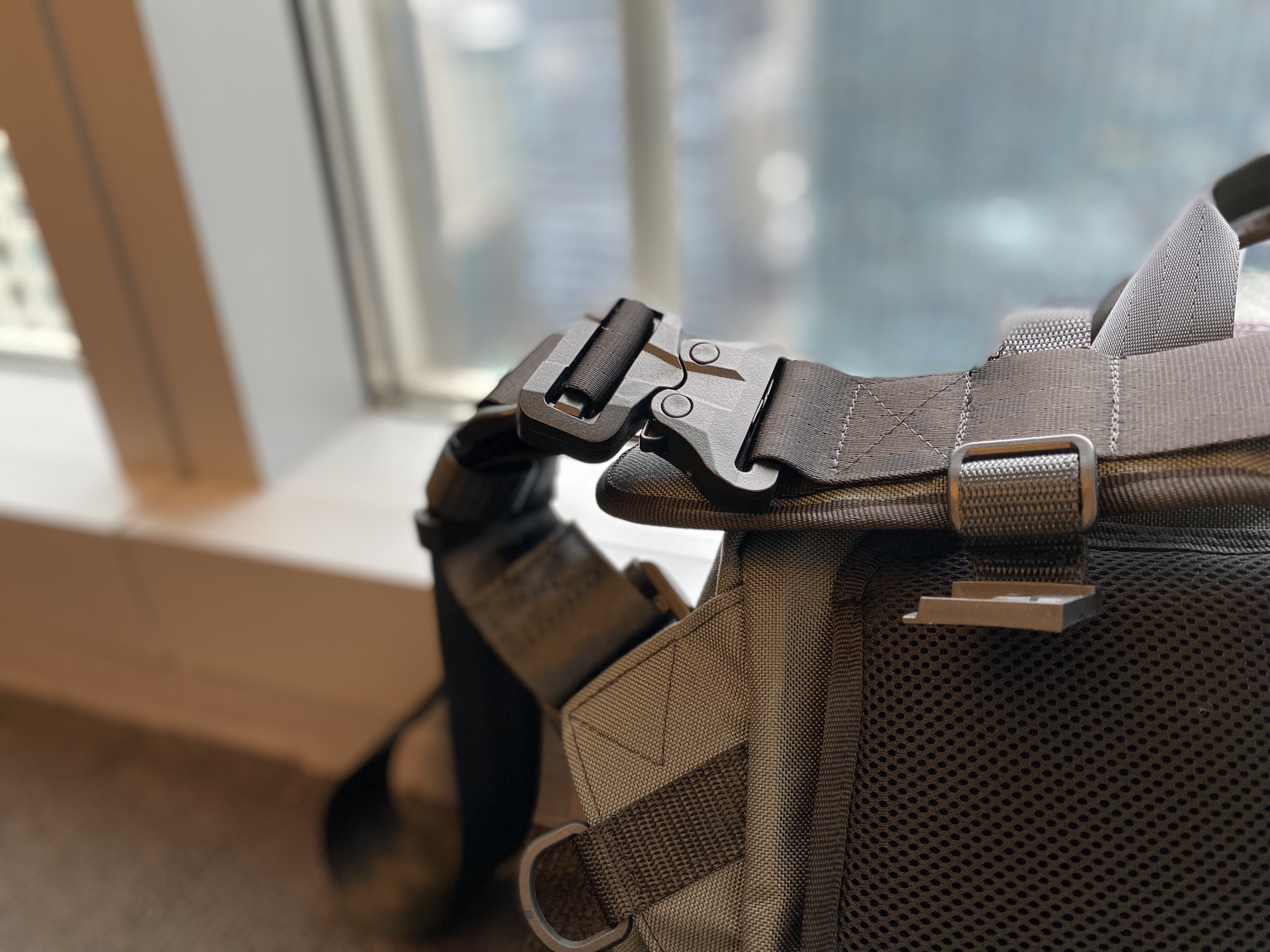 Greenroom136 Mission Attache cobra buckle gt itw messenger strap