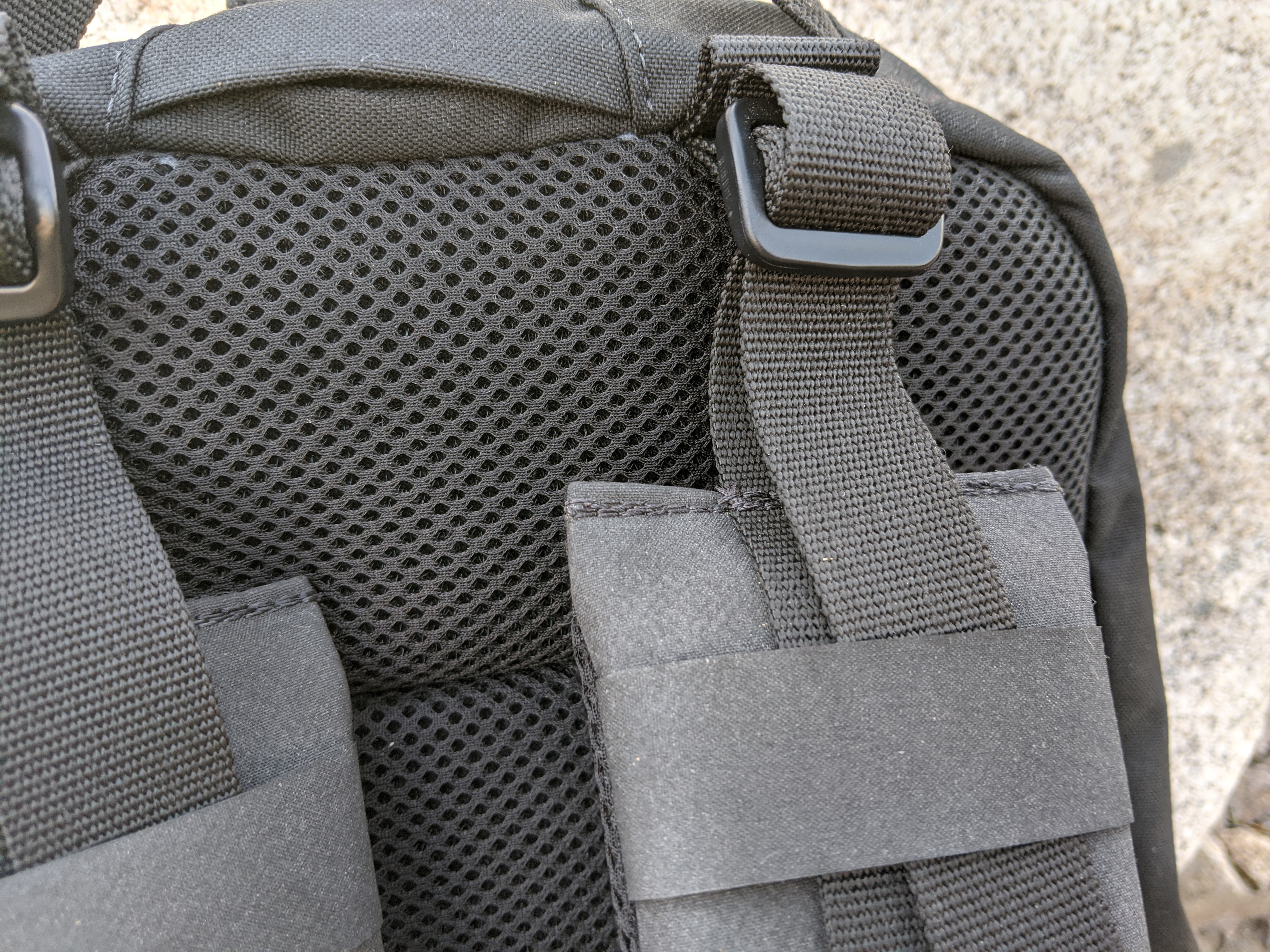 Duo Hoplite MPC Eclipse Review straps stitching
